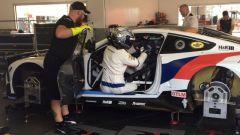 Zanardi pronto per Daytona, gli incredibili video onboard e nel box