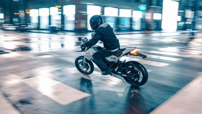 Zero: la nuova motard elettrica FXE