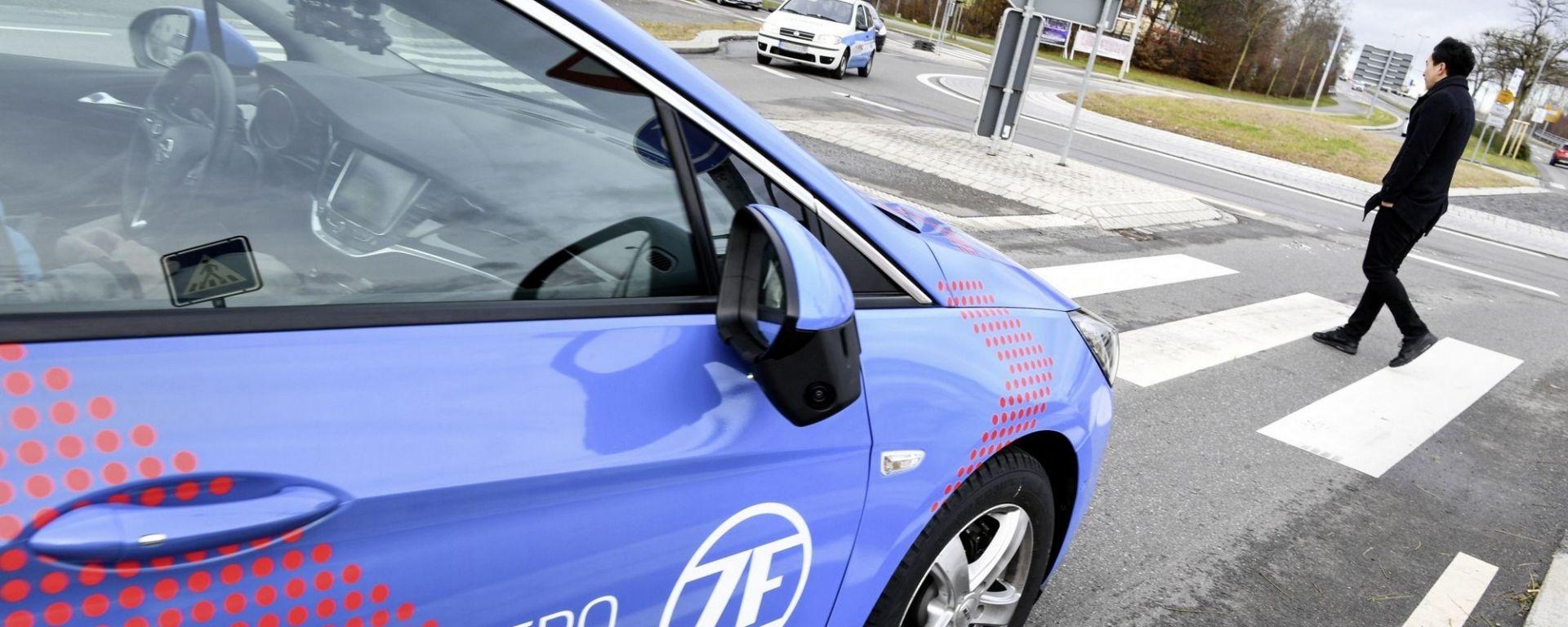 ZF al CES 2018: guida autonoma, pedaggio digitale e il volante del futuro
